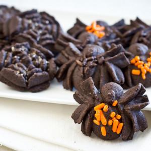 spooky spider chocolate spritz cookies