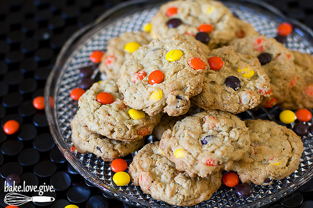 oatmeal reese's pieces cookies - Bake Love Give