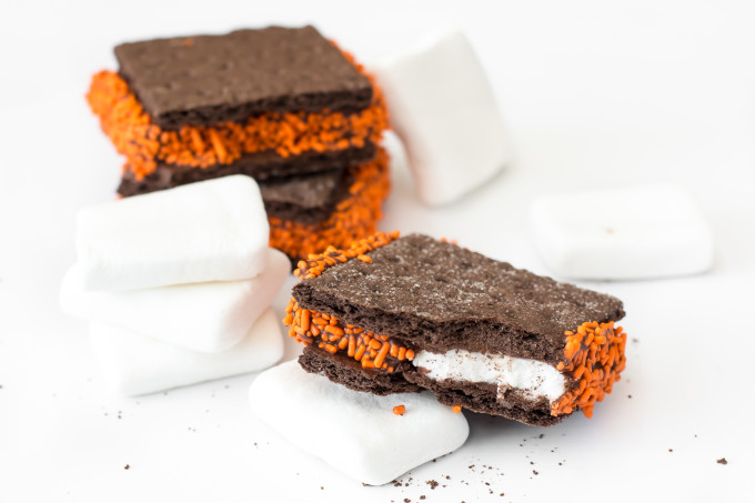 Halloween Chocolate S'mores Cookies-5