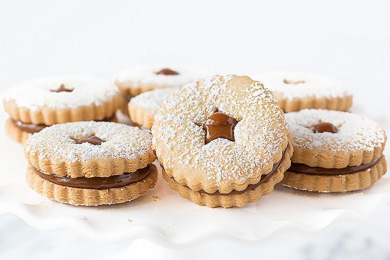peruvian alfajores - dulce de leche sandwich cookies - Bake Love Give